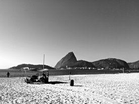 Setting up at Praia do Flamengo
