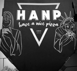 I'm in love with this pizza box design. NY - RJ
